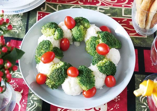 根本不用特地買食材做聖誕大餐!在家動手DIY「花椰薯泥花圈」,困難度絕對是零