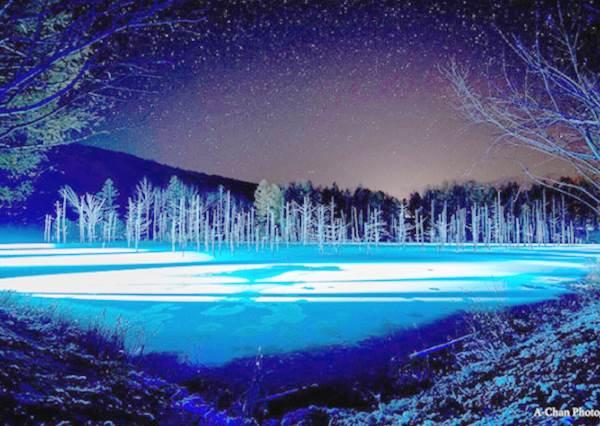不知道還以為是在極地的超夢幻「青池點燈」!超唯美絕景行程推薦:滿天星光就像童畫場景一樣