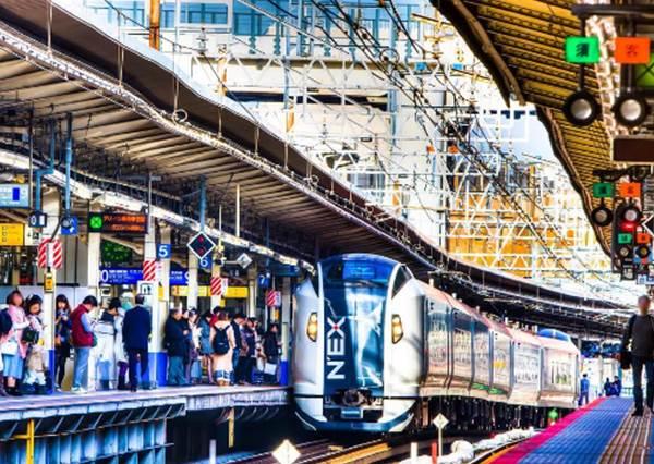 日本鐵道公司大揭密!電車上那些「酒醉乘客」,被站員帶走之後是這樣處理的?