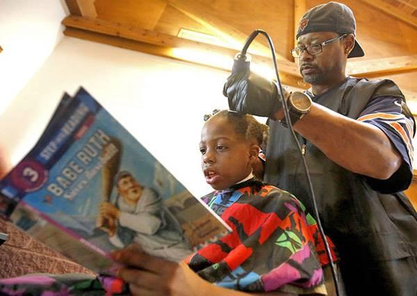 孩子的教育不能等,善心理髮師用這種方式行善…